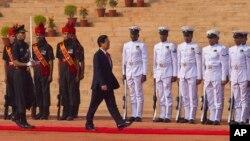 Thủ tướng Việt Nam Nguyễn Tấn Dũng tại dinh Tổng thống Ấn Độ ở New Delhi, ngày 28/10/2014.