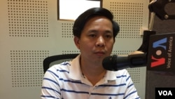 "VOA Khmer recently spoke with Toek Vannara, director of the NGO Forum, to discuss the likely environmental problems Cambodia and other countries could face if they do not act to protect their natural resources. "" (Photo: Phorn Bopha/VOA Khmer)"