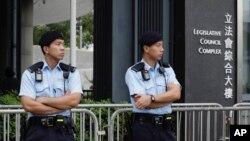 资料照:香港警察在立法会前值勤。