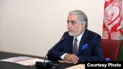 رئیس اجرائیه افغانستان تأکید کرد که در روند توزیع تذکره الکترونیکی باید قناعت تمام شهروندان فراهم گردد