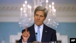 존 케리 미국 국무장관이 30일 워싱턴의 국무부에서 시리아 사태에 대한 미국 정부의 입장을 밝히고 있다.