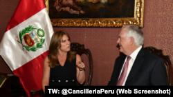 Ministra CayetanaAljovin recibe en CancilleriaPeru al Secretario de Estado de los Estados Unidos, Rex Tillerson, con quien tratará temas de la relación bilateral y asuntos relacionados a la Cumbre de las Américas (#VIIICumbrePerú) que se realizará 13 y 14 de abril en Lima.