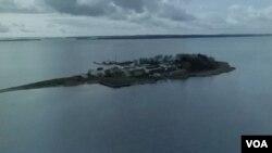د لینډهول جزیره چې محلي خلک يي ګوانتانامو بولي.