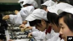 富士康公司的生產線(資料圖片)
