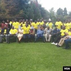 Abalandeli bebandla leNational Patriotic Front abahlangane ngoLwesithathu eHarare.