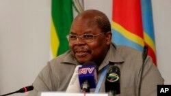 L'ancien président tanzanien Benjamin Mkapa