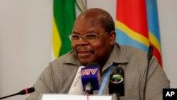 L'ancien président tanzanien Benjamin Mkapa, Nairobi, 7 janvier 2009