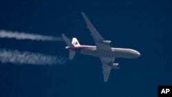 Sebuah pesawat Boeing 777 milik Malaysia Airlines (foto: dok). Pesawat Malaysia Airlines MH370 yang hilang adalah jenis Boeing 777.
