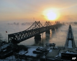 連接中國和北韓的鴨綠江大橋(資料照片)