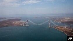 Мост, соединяющий Владивосток и остров Русский