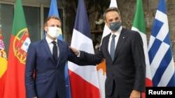 Arşiv foto - Fransa Cumhurbaşkanı Emmanuel Macron ve Yunanistan Başbakanı Kiryakos Miçotakis