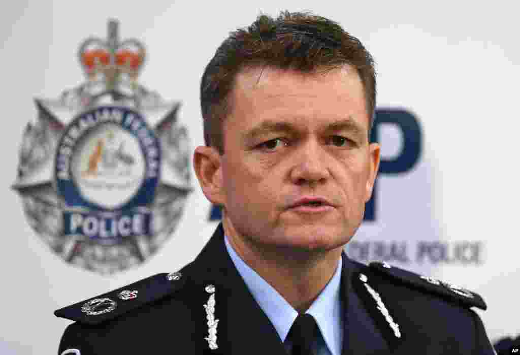 Australian Federal Police Acting Commissioner Andrew Colvin describes how 800 federal and state police officers raided more than two dozen properties as part of the anti-terror operation in Sydney, Sept. 18, 2014.