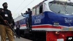 پاکستان میں اپنی نوعیت کی پہلی 'بزنس ٹرین' کا افتتاح