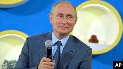 Arhiva - Vladimir Putin u Sočiju, 1. septembra 2018.