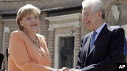Nemačka kancelarka Angela Merkel i italijanski premijer Mario Monti tokom susreta u Rimu