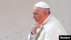 Francisco hizo su petición el miércoles al anunciar que el viernes emitiría un comunicado conjunto con el líder espiritual de los cristianos ortodoxos, el patriarca Bartolomé I, sobre el cuidado de la creación divina.