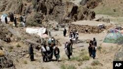 طالبان این ادعای مقامات امنیتی افغانستان مبنی برجابه جایی افراد وابسته به داعش در ولایت زابل را نادرست خوانده رد کرده اند.
