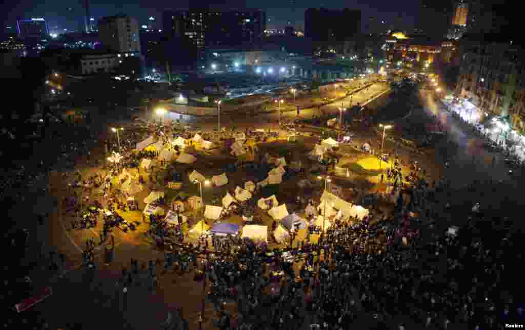 Tents set up in Tahrir square as protesters and activists continue with their sit-in, November 25, 2012.