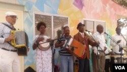 """Grupo """"Novatos da Ilha de Luanda"""""""