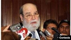 Rafael Solís advirtió que de no encontrarse una salida a la crisis que sacude a Nicaragua, podría desencadenarse una guerra civil.