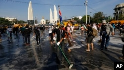Підготовка до відзначень дня народження короля Таїланду