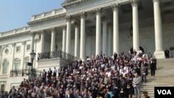 参众两院议员在国会山举行9/11事件12周年纪念仪式。(美国之音杨晨拍摄)
