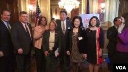 美國參、眾議員,星期三出席了國會紀念台灣關係法立法35週年紀念酒會.(視頻截圖)