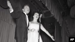 Conocidos simplemente como Steve y Eydie, los dos se convirtieron en un clásico en EE.UU.