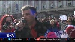 Tirane, proteste e tregtareve