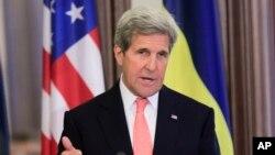 Američki državni sekretar Džon Keri se oglasio povodom godišnjice genocida u Srebrenici