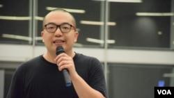 時事評論員陳景輝表示六四事件發生前後,曾經引發香港史無前例的百萬人大遊行,對香港本土民主運動有深遠影響。(美國之音湯惠芸)