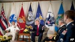 川普总统和夫人在夏威夷(9图)