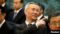 刘鹤参加中国和越南的签约仪式 (2017年5月11日 路透社)