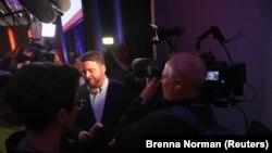 Le président démissionnaire du parti démocrate de l'Iowa, Troy Price, devant la presse le 4 février 2020. (Brenna Norman/Reuters)