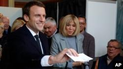 Emmanuel Macron se enfrentará el 7 de mayo a la candidata de ultraderecha Marine Le Pen en la segunda vuelta de la elección presidenciales francesa.