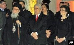 Αρχιεπίσκοπος Δημητριος, Πρόεδρος Χριστόφιας, Υπουργός Κοζάκου-Μαρκουλή, και κα Χριστόφια στα εγκαίνια.