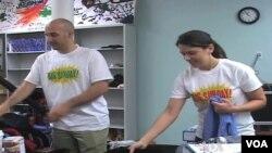 Sinh hoạt Chủ Nhật Cuối Tuần Lớn động viên các người tình nguyện đến giúp các tổ chức và trường học khác nhau