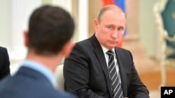 دیدار بشار اسد رئیس جمهوری سوریه با ولادیمیر پوتین رئیس جمهوری روسیه در کاخ کرملین در مسکو - ۲۰ اکتبر ۲۰۱۵