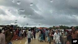 بنگلہ دیش میں روہنگیا پناہ گزین بارشوں سے پریشان ہیں۔ فائل فوٹو