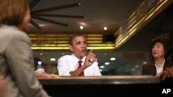 El presidente Barack Obama durante una reunión con pequeños empresarios en Taylor Gourmet en la calle U en Washington.