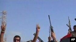 트리폴리에 접근하는 리비아 반군