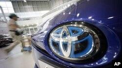 29일 일본 도쿄의 도요타 자동차 전시장. 도요타는 이날 에어백과 배기부품 결함 차량 300만여대의 대규모 리콜을 발표했다.