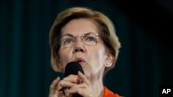 Kandidat presiden dari Partai Demokrat, Senator Elizabeth Warren, dalam pertemuan di Grinnell College, Grinnell, Iowa, Senin, 4 November 2019. (Foto AP / Charlie Neibergall)
