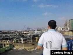Volonter iz Vanjine organizacije BorderFree nakon eksplozije u Bejrutu. (Fotografija preuzeta od Radija Slobodna Evropa)