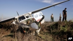 Una avioneta Cessna 210 similar a la accidentada en Arizona, donde murieron cuatro miembros de una familia.