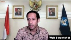 Mendikbudristek Nadiem Makarim menyatakan dampak buruk dari penundaan sekolah tatap muka dapat berdampak permanen bagi anak-anak (VOA)