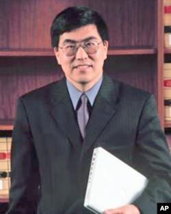 美国纽约市立大学政治学教授夏明