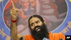 인도 요가 지도자 바바 람데브. (자료사진)