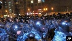 3月5日莫斯科普希金广场旁防暴警察清场