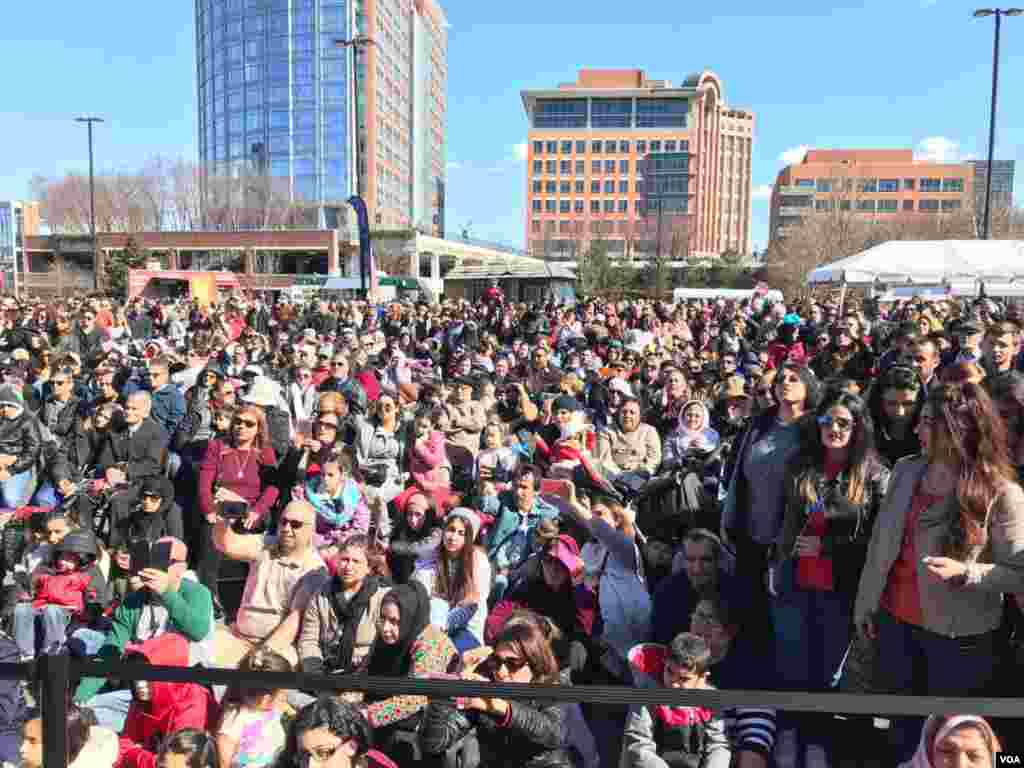 هزاران نفر در جشن نوروزی در شمال ویرجینیا و حومه واشنگتن شرکت می کنند.